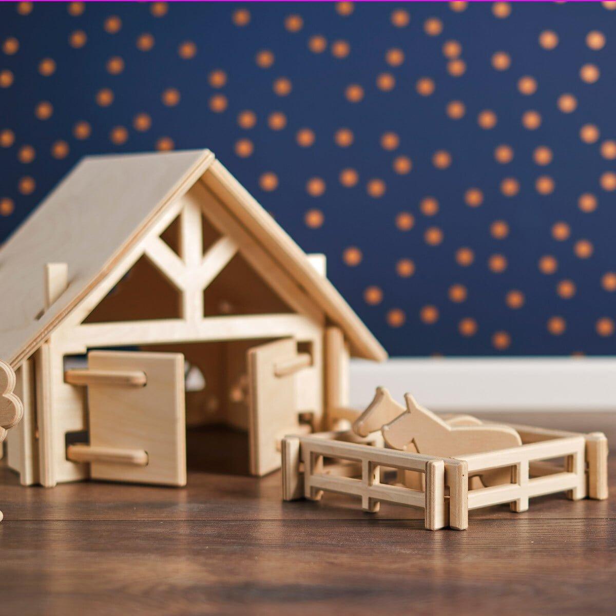 Spielzeugfarm mit Tieren